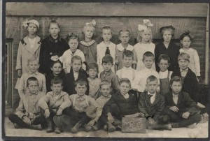 Five Points School class c. 1914; Thelma Alberta Petersen- center of top row.
