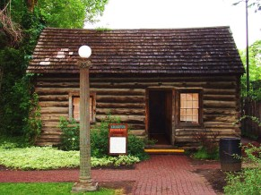 Bingham cabin once locted at 317 W. 2nd St.
